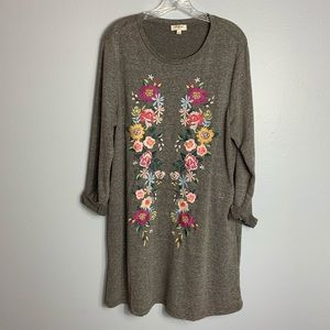 GORGEOUS UMGEE EMBROIDERED GRAY DRESS SIZE LARGE